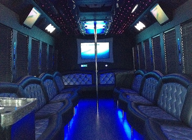 Party Bus Chino